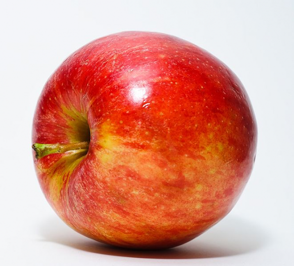 NEW GMO Apple That Never Browns is Eager to Take a Bite Out of U.S. Market